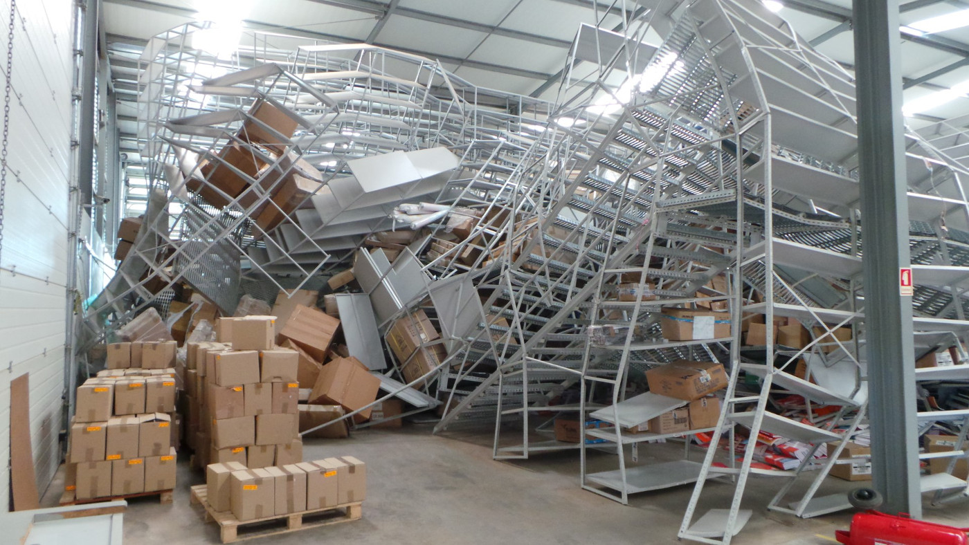 Collapse Evaluation of Steel Structure