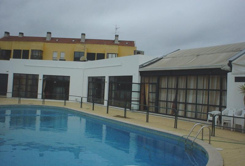 Allegro Swimming Pool and Bar